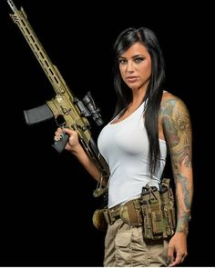 Новости::: sexy girls hot babes with guns beautiful women weapons Alex Zedra, Military Girl, Female Soldier, Military Women, N Girls, Badass Women, Insta Photo, Usmc, Survival