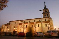 Catedral Magistral de Alcalá de Henares    http://www.catedralescatolicas.com/wp-content/uploads/2009/08/Catedral-de-los-Santos-Ni%C3%B1os-Justo-y-Pastor-de-Alcal%C3%A1-de-Henares_Espa%C3%B1a_parqueo.jpg