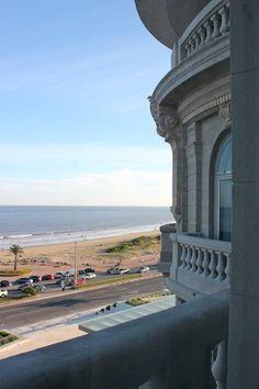 A reconstrução do antigo Hotel Casino de Carrasco , agora Sofitel Montevideo. #Uruguai