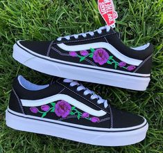 VISIT FOR MORE 6 Prodigious Cool Ideas: Shoes Tenis Men vans shoes white. The post 6 Prodigious Cool Ideas: Shoes Tenis Men vans shoes white.Korean Shoes Closet sp appeared first on Dress. Tenis Vans, Vans Sneakers, Sneakers Fashion, Adidas Shoes, Vans Shoes Outfit, Cool Vans Shoes, Fashion Shoes, Mens Fashion, Tumblr Sneakers