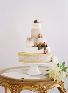 15 wedding cakes we adore: http://www.stylemepretty.com/2014/08/07/15-wedding-cakes-we-adore/ | Photography: http://brycecoveyphotography.com/