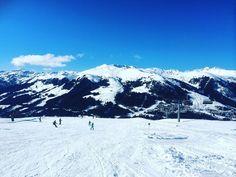 Hoping for a blue sky like yesterday! 🎿❄️ Que hoje tenhamos esse ceu azul como ontem 💙❄️🎿 Mount Rainier, Austria, Good Morning, Mount Everest, Sky, Mountains, Nature, Blue, Travel
