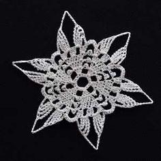 Crochet Snowflake 13 + lots of other snowflake patterns! Crochet Snowflake Pattern, Crochet Stars, Crochet Snowflakes, Thread Crochet, Crochet Motif, Crochet Crafts, Crochet Doilies, Crochet Flowers, Free Crochet