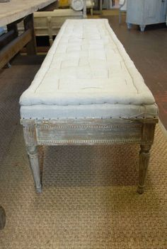 Shop benches and other antique and modern chairs and seating from the world's best furniture dealers. Swedish Decor, Swedish Style, Swedish House, Furniture Styles, Cool Furniture, Furniture Design, Modern Furniture, Shed Interior, Vintage Bench
