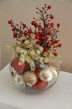 Are you looking for inspiration for christmas decorations?Navigate here for unique Christmas ideas.May the season bring you serenity. Gold Christmas Decorations, Christmas Wreaths, Christmas Bulbs, Christmas Centerpieces For Table, Holiday Tables, Centerpiece Ideas, Fish Bowl Decorations, Xmas Table Decorations, Gold Centerpieces