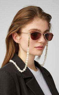 sunglasses chain Pearl Chain by Frame Chain Sunglasses Accessories, Fashion Accessories, Fashion Jewelry, Bijoux Design, Pearl Chain, Eyeglasses, Eyewear, Miu Miu, Collar Chain