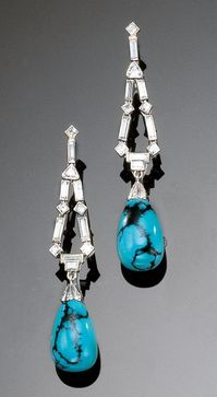 A PAIR OF ART DECO PLATINUM, GOLD, DIAMOND AND TURQUOISE PENDANT EARRINGS, 1930S. #ArtDeco #earrings