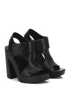 VIC MATIE - Sandalo alto - Donna - Sandalo alto in pelle con cinturino con straps su collo piede e suola in gomma. Tacco 125, platform 25 con battuta 100. - BLACK - € 235.00