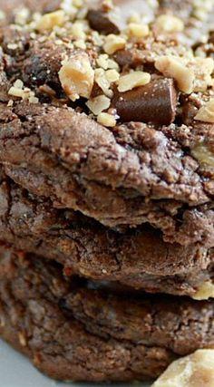 Toffee Chunk Brownie Cookies - Something Swanky Cookie Brownie Bars, Cookie Desserts, Just Desserts, Cookie Recipes, Delicious Desserts, Dessert Recipes, Yummy Food, No Bake Cookies, Yummy Cookies