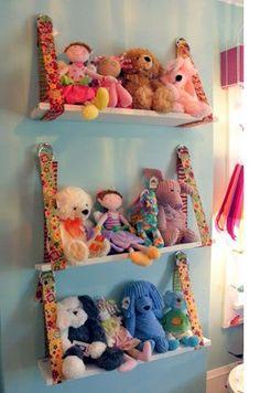 Great portable idea for stuffed animal storage!