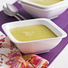 Voilà une belle façon de réinventer la traditionnelle crème de brocoli! Bruschetta, Fondue, Stew, Cooking Recipes, Easy Recipes, Food Porn, Brunch, Easy Meals, Gluten