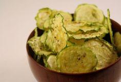 12 salgadinhos vegetarianos que vão fazer você querer comer legumes - chips de abobrinha