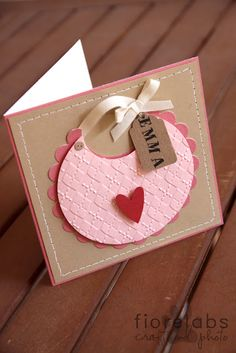 Cute Bib Card {blog is in Italian}