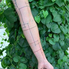Freehand straight lines  Done @dildotattoostudio  Big thanks @giannis_1925   #freehand #freehandtattoo #black #blackwork #blackink #blacklines #blacktattoo #dildotattoostudio #armtattoo #alexthejem #athenstattoo #tattooart #tattooink #tattoolife #tattooworkers #tattooideas