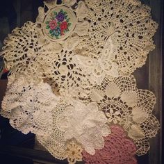 Found some beautiful handmade doilies, at canton a few weekends ago, to put in the middle of my Dreamcatchers #Padgram