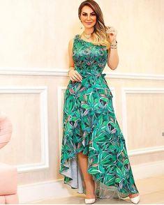 Qual modelinho vcs preferem, usam ?? #dicasdecabelo 🧐 { ➡️ } . Deixe a opinião nos comentários ⤵️ . . ✅ { Sigam @bella_e_chique1 ❤️ } . .… Cheap Dresses, Casual Dresses, Fashion Dresses, Draped Dress, Dress Skirt, Chic Outfits, Beautiful Outfits, Designer Dresses, Party Dress