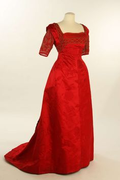 Evening dress ca. 1895, remodelled ca. 1910 From the Liberty Hall Museum via History Pin