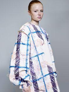 Look book 1 - Jodie Ruffle the Amazing Jonathan Saunders, Fashion Fabric, Fashion Art, Fashion Design, Fashion Textiles, Fashion Beauty, Alexander Mcqueen, Collection Couture, Fru Fru