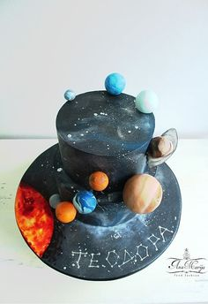 Astronaut and solar system cake  My cakescookies