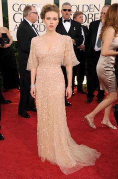 Scarlett Johansson Evening Dress - Scarlett donned a shimmering tulle evening dress with tiny rosettes. Colored Wedding Dresses, Bridal Dresses, Bridesmaid Dresses, Elegant Dresses, Nice Dresses, Formal Dresses, Scarlett Johansson Dress, Red Carpet Dresses, Celebrity Dresses