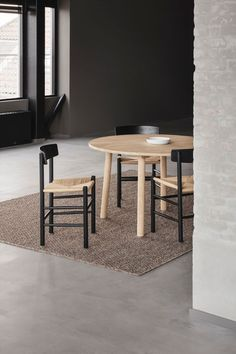 Designed by Børge Mogensen in is a versatile masterpiece crafted from solid wood, featuring a hand-woven seat in natural paper cord. Dream Apartment, Wood Surface, Painting On Wood, Your Space, Interior Inspiration, A Table, Solid Wood, Hand Weaving, Furniture Design
