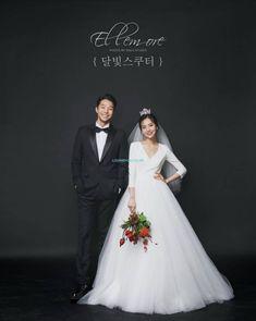 Bridal Photoshoot Studio Ideas For 2019 Pre Wedding Photoshoot, Wedding Poses, Wedding Couples, Wedding Dresses, Wedding Ideas, Korean Wedding Photography, Bridal Photography, Wedding Story, Wedding Beauty