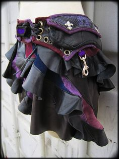 Well I know what I'm asking for this xmas. Utility Belt, Hip Pouch with Attachable Leather Mini Skirt, Semi-Precious Stone, Color Details Mode Steampunk, Steampunk Costume, Steampunk Clothing, Steampunk Fashion, Renaissance Clothing, Gothic Steampunk, Victorian Gothic, Gothic Lolita, Mori Girl