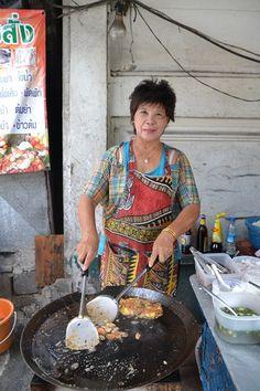 Thaïlande   Recettes Breakfast, Food, Lime Juice, Sunflower Oil, Seafood, National Dish, Rice Noodles, Thai Cuisine, Morning Coffee