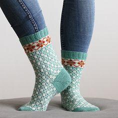 Ravelry: Spira pattern by Clara Falk - Stirnband stricken Knitted Socks Free Pattern, Knit Mittens, Crochet Slippers, Baby Knitting Patterns, Knitting Socks, Free Knitting, Crochet Patterns, Knit Socks, Free Crochet