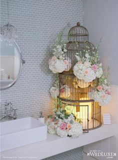 Bathroom flower decoration for Wedding