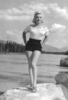 The beauty of Marilyn Monroe vies with the natural beauty of Jasper National Park, Alberta, Canada, in this study of the star who is featuring in the new Century Fox Film 'River of no Return'. Get premium, high resolution news photos at Getty Images Norma Jean Marilyn Monroe, Marilyn Monroe Photos, Janet Jackson, Adam Lambert, Elizabeth Taylor, Christina Hendricks, Britney Spears, Scarlett Johansson, Greta