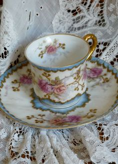 tasse porcelaine ancienne