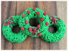 christmas wreath rice krispies treats with red hots