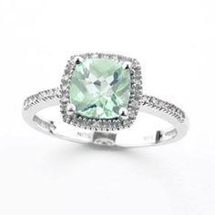 Green amethyst ring. Beautiful :)