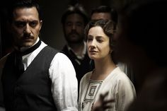"""Giovanna Mezzogiorno con Filippo Timi in """"Vincere"""" (2009)"""