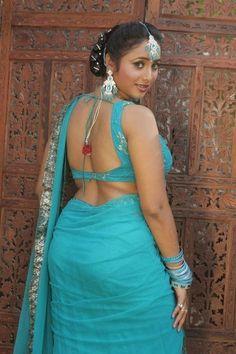 Beautiful Women Over 40, Beautiful Girl Indian, Most Beautiful Indian Actress, Beautiful Saree, Beautiful Ladies, Beautiful Birds, Beauty Full Girl, Beauty Women, Indian Actress Hot Pics