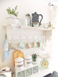 Romantic Shabby Kitchen - Lille Ting: Fresh New Year ...