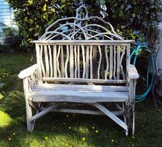 I love this driftwood bench