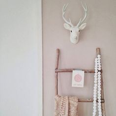 wood ladder with animal bust Interior Pastel, Simple Interior, Cottages By The Sea, Little Girl Rooms, Teen Bedroom, Bedrooms, Kidsroom, Kid Beds, My New Room