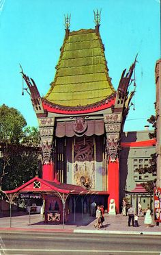 Grauman's Chinese Theater, 6925 Hollywood Blvd, Los Angeles, California Offers 20 minute tours, perfect for squeezing into a busy day Vintage California, California Dreamin', Hollywood California, Hollywood Theater, Hollywood Homes, Hollywood Sign, Hollywood Party, Bryce Canyon, Grand Canyon