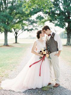 eb-photography-artistry-fine-art-film-alabama-barn-fall-wedding_1870