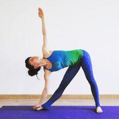 Perfect Triangle Yoga Pose by Agata Yoga from Poland 💙💙💙