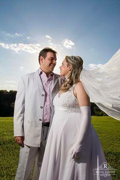 Conte conosco para fotografar o seu casamento. Solicite seu orçamento e colecione momentos! - Whatsapp  +55 (65) 8172-0011 contatorafaelmartins@outlook.com - #rafaelmartinsfotografias #rafaelmartinsphoto #rafaelmartins #colecionemomentos #eternizemomentos #noivas #amor #noivo #fotografiacomamor #instanoiva #wedding #weddingday #projetonoiva #ensaioprecasamento #book #weddIngphotographer #fotojornalismo #vetidosdenoiva #ensaio #sessaofotografica #casal  #trashthedress #casamento #voucasar20