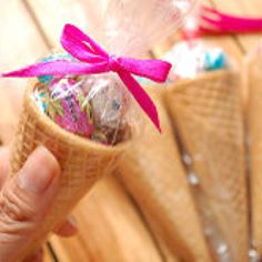 How to turn sugar cones into easter party favors.  http://m.wikihow.com/Turn-Sugar-Cones-Into-Easter-Favors