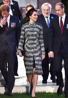 La Duquesa de Cambridge, de soltera Kate Middleton, ha lucido sus looks más estilosos, con un aire de Jacqueline Kennedy, durante su visita a Francia para conmemorar la Batalla de Somme.