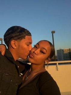 Freaky Relationship Goals Videos, Couple Goals Relationships, Relationship Goals Pictures, Couple Relationship, Black Love Couples, Cute Couples Goals, Photo Couple, Interracial Couples, Lovers And Friends