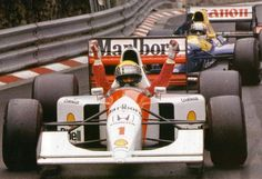Relive the famous battle between Ayrton Senna and Nigel Mansell during the 1992 Monaco Grand Prix. F1 Racing, Racing Team, Sport Cars, Race Cars, Mclaren Formula 1, Nigel Mansell, Monaco Grand Prix, Mclaren Mp4, F1 Drivers