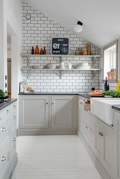 couleur mur cuisine, mur de briques, modele de cuisine gris, prix cuisine ikea