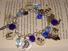 Mortal Instruments bracelet... like!