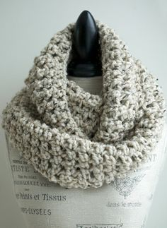Soft chunky crochet infinity scarf in Oatmeal by PikaPikaCreative